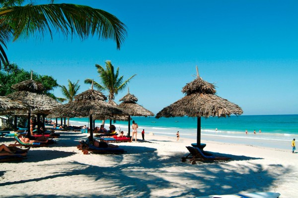 Vacation-in-Kenya-Diani-Beach1