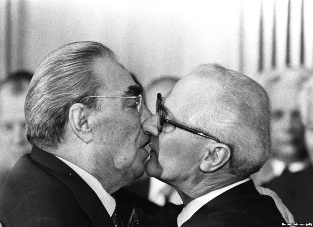 kisses_06.jpg