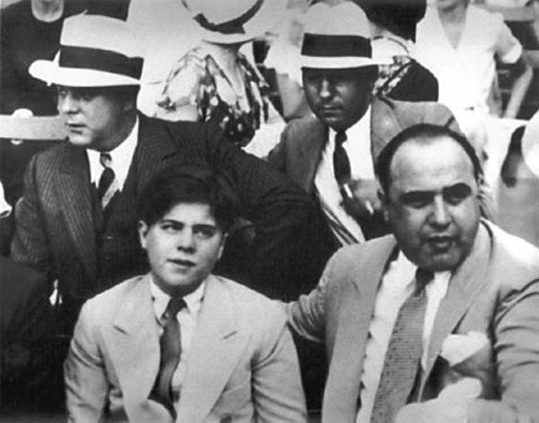 Это сломало босса мафии. Почему Аль Капоне в тюрьме стал уборщиком