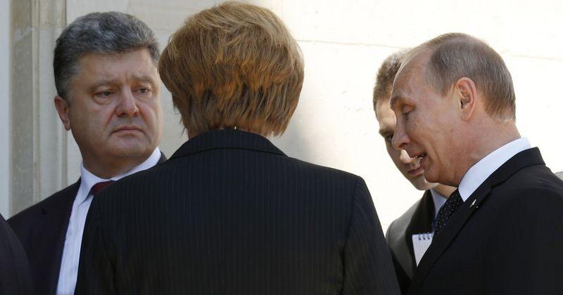 Необходимости письменно предлагать Киеву забрать свою военную технику из Крыма нет, - Песков - Цензор.НЕТ 6447