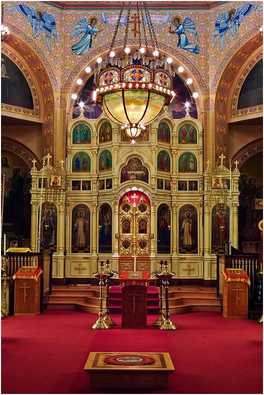 Архиерейский амвон в русском православном храме