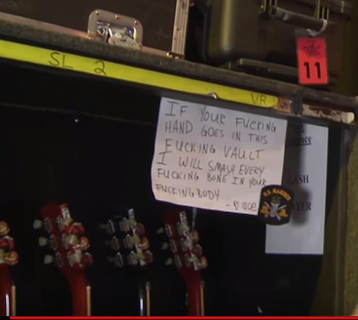slash_guitar_warning