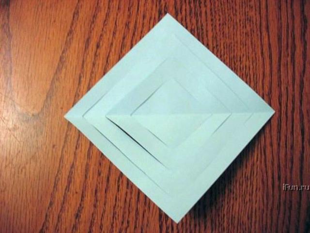 развернули надрезанный квадрат