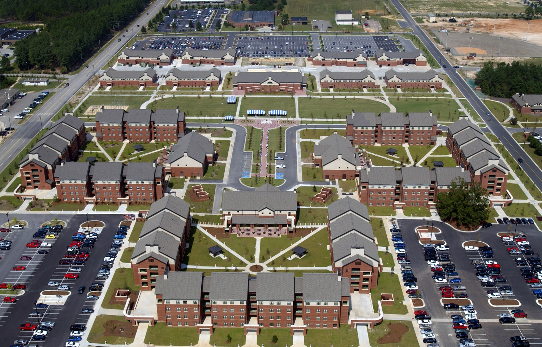 Fort_Bragg_1st_Brigade_barracks