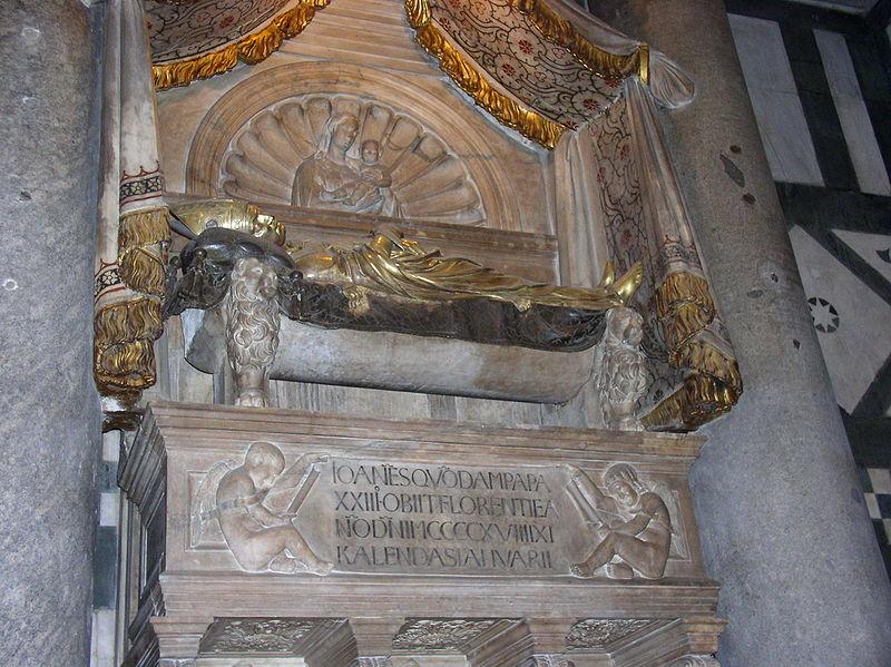 800px-Ioann_xxii_antipope_sarcophagus