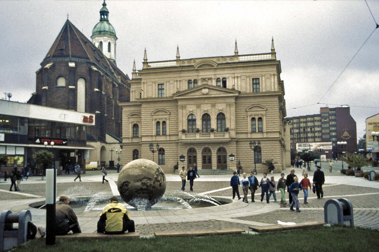 Opava_Horní_náměstí_Theater_Mariä_Himmelfahrt