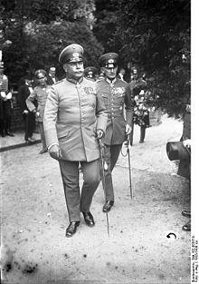 Bundesarchiv_Bild_102-00357A,_Wilhelm_Heye,_Erwin_v._Witzleben