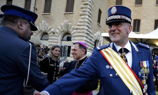 La-Gendarmeria-Vaticana-per-un-anno-ha-intercettato-tutta-la-curia_h_partb