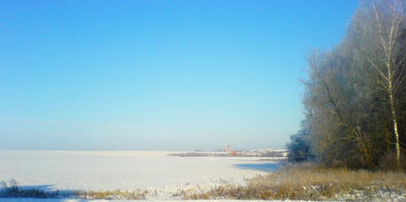 Когда стоят солнечные, морозные, ясные дни, полные февральской лазури, вспоминаю яркие картины зимы Грабаря И.Э., особенно одну из них 1904 года :