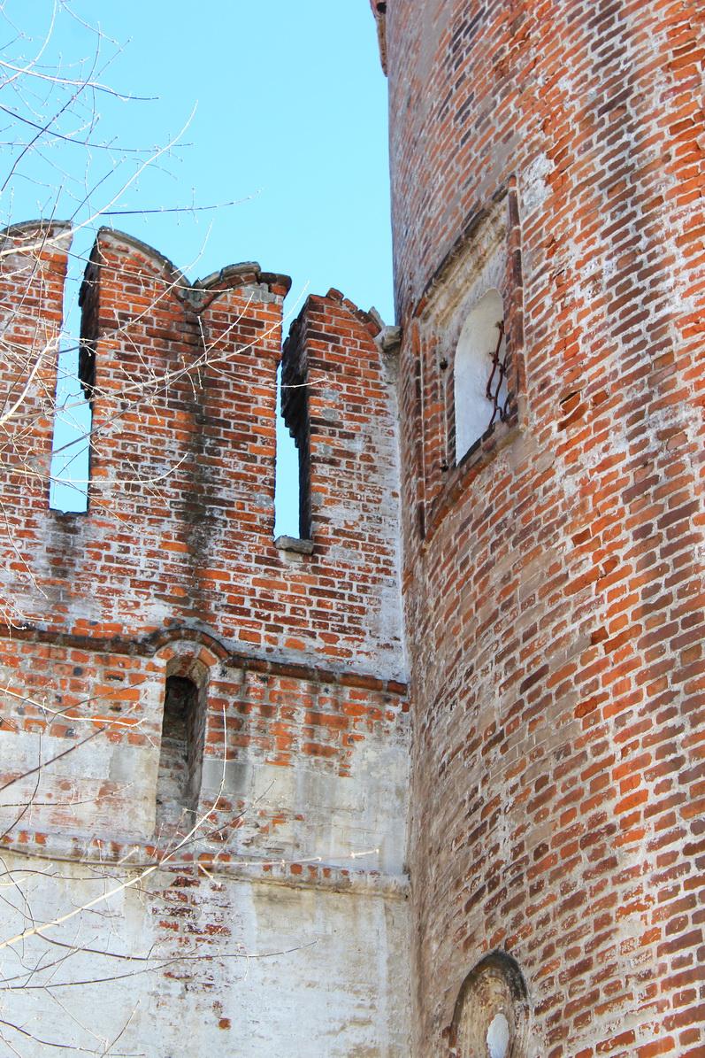 Фото  автора до реконструкции монастыря