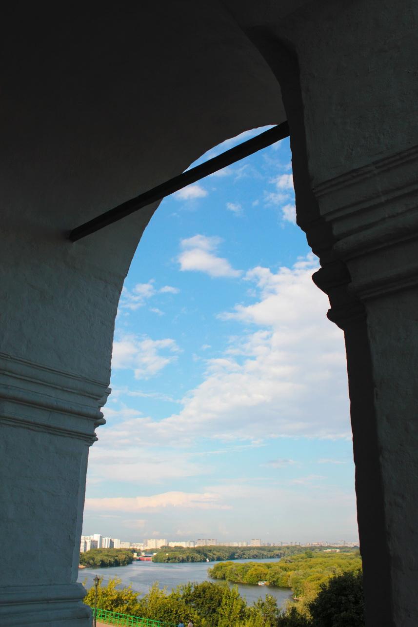 Коломенское. От церкви Вознесения    фото автора: ida_mikhaylova