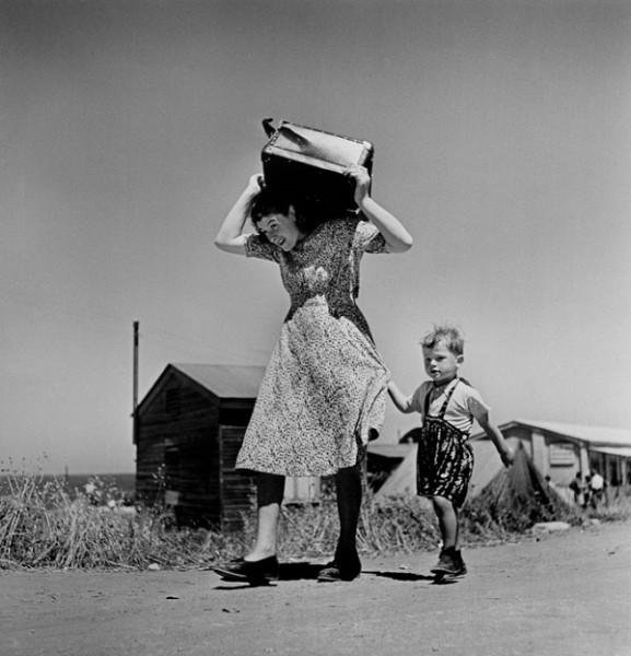 1-robert-capa-haifa-1949-50