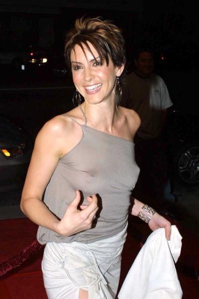 Michelle_Clunie_-_LA_Premiere_2004_-_pic0001AB