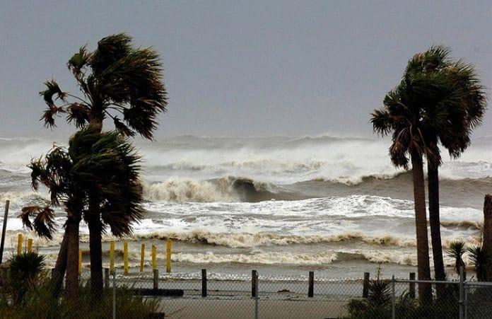 ураганный ветер во Флориде