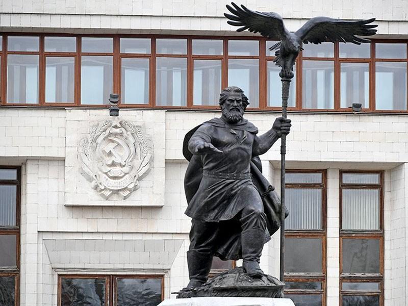 памятник Ивану III