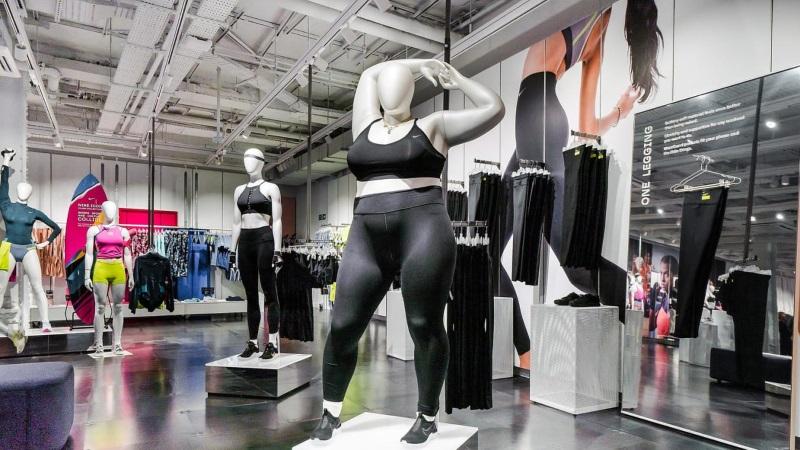 манекены-жирдяи Nike