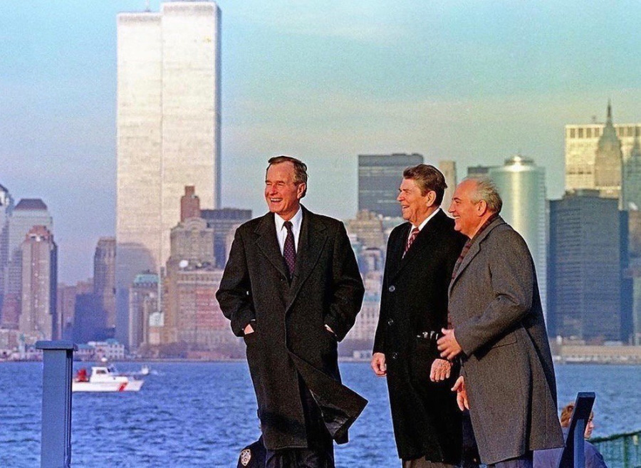 Буш, Рейган и Горбачёв