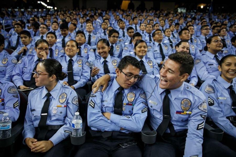 новые копы из Полицейской академии LA