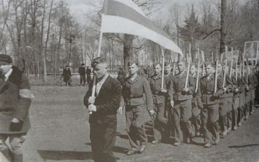 змагары за Гитлера