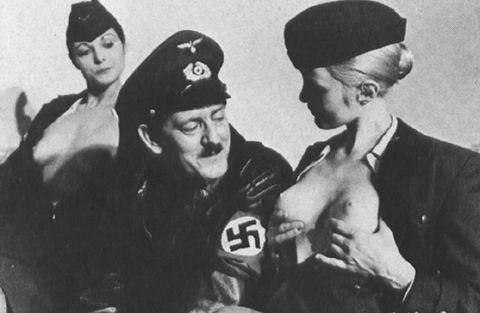 фюрер и сиськи