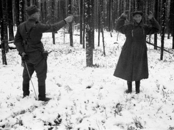 советский разведчик смеётся в лицо смерти_Рукаярви, Финляндия, ноябрь 1942