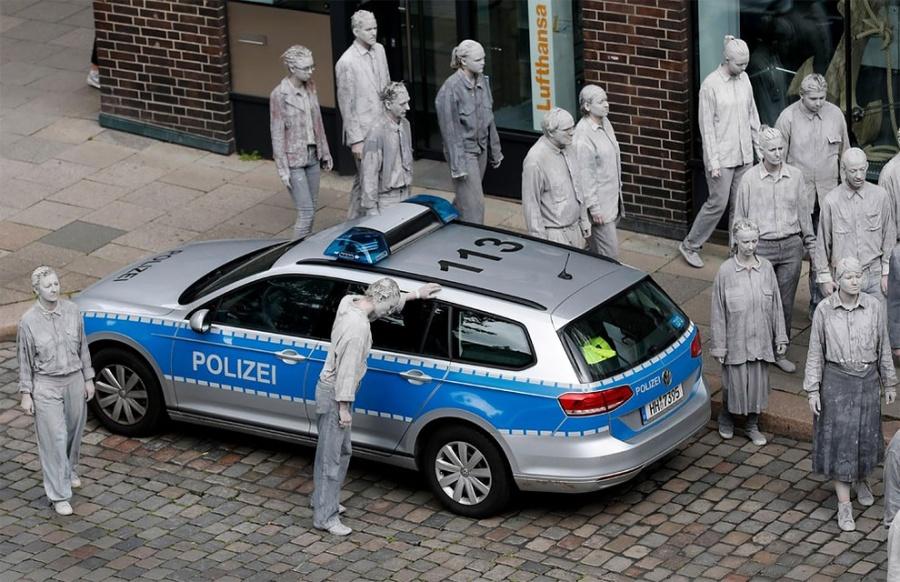 зомби в Гамбурге троллят G20