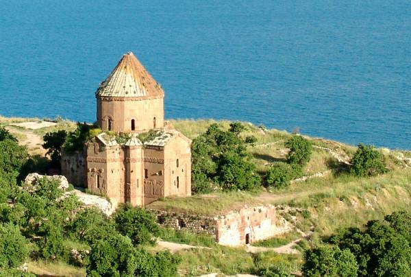 800px-Armenian_Church_gz_01