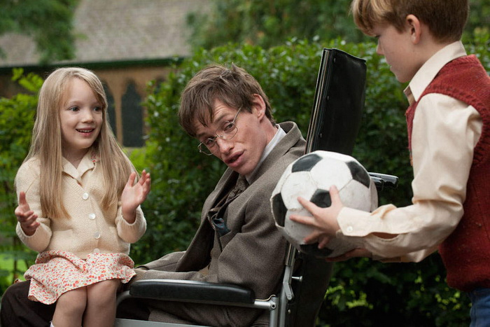 Eddie-Redmayne-in-The-Theory-of-Everything_article_story_large
