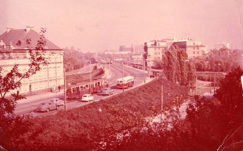 Варшава, построенная в 1949 году Магистраль Восток-Запад, средина 60-х годов ХХ века.