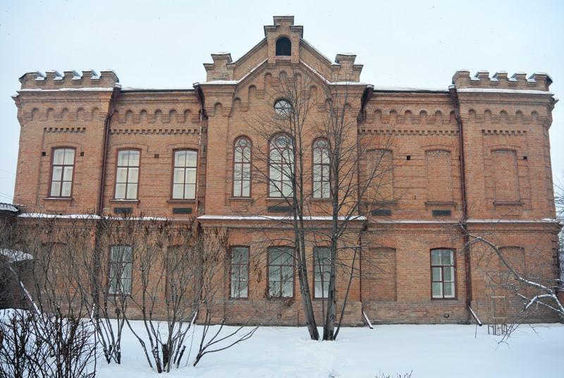 Тыльная сторона здания музея.