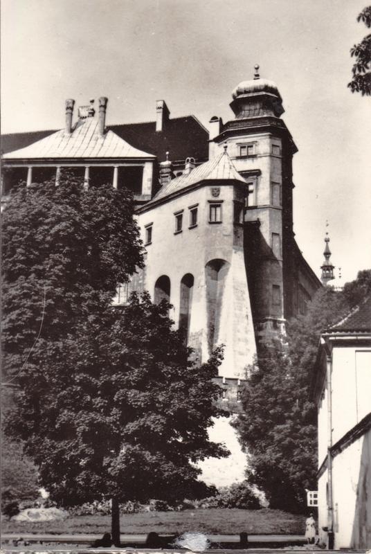 Башня «Курья Лапка» королевского замка на Вавеле. XIV в.