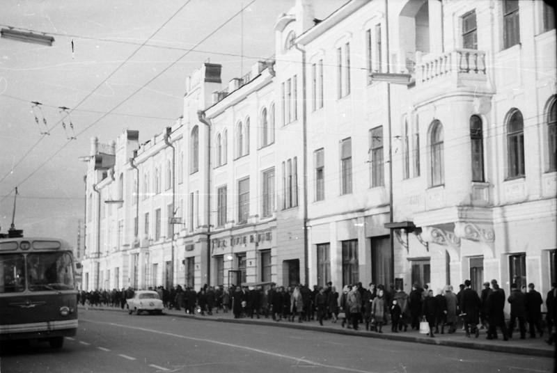 Проспект Ленина, бывший доходный дом Фуксмана.