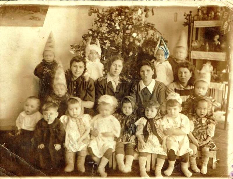 Старшая группа яслей №1 г. Минусинска, 1937 год, автор не установлен
