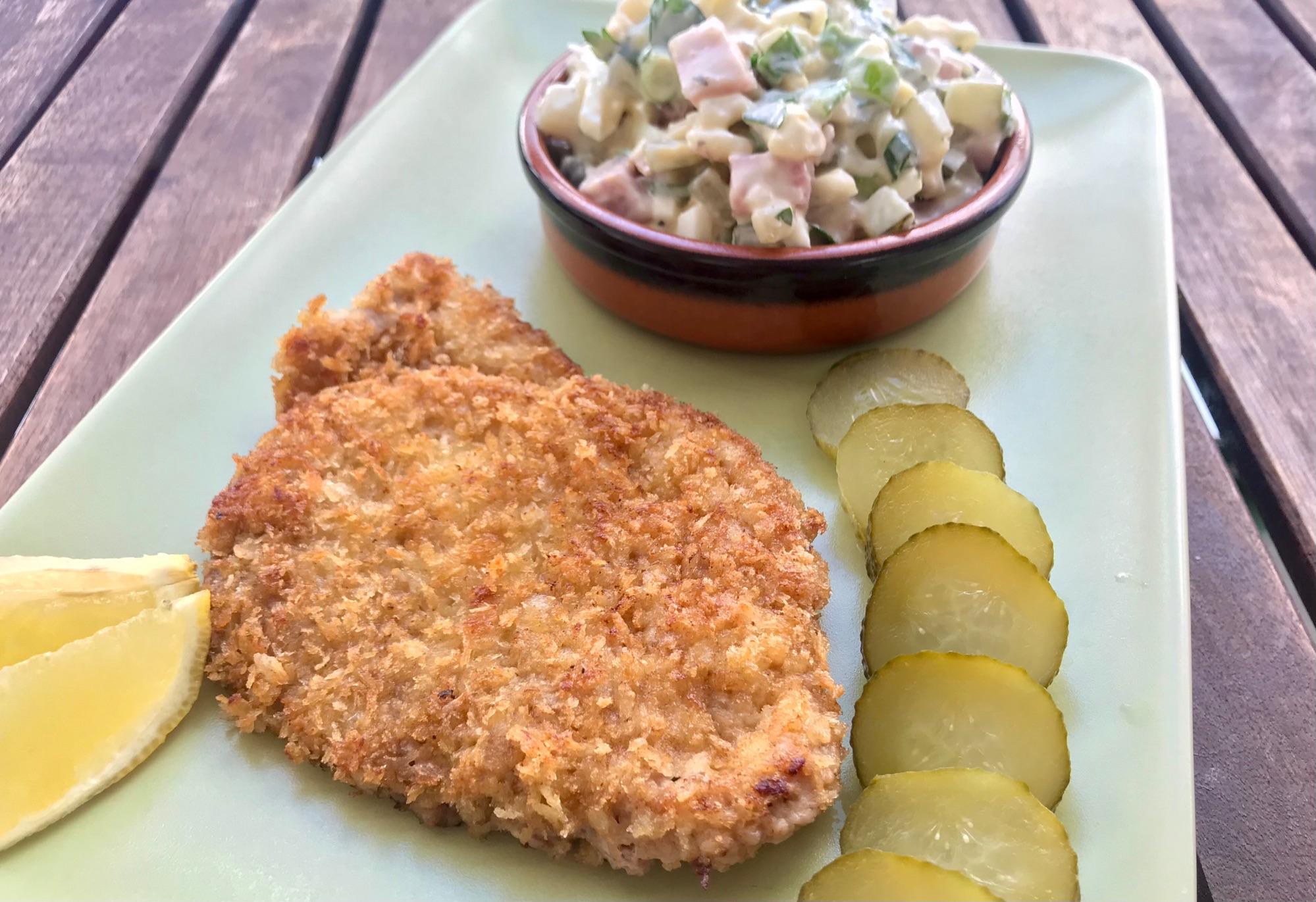 Шницель с картоф-салатом
