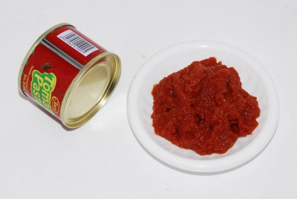 canned-tomato-paste