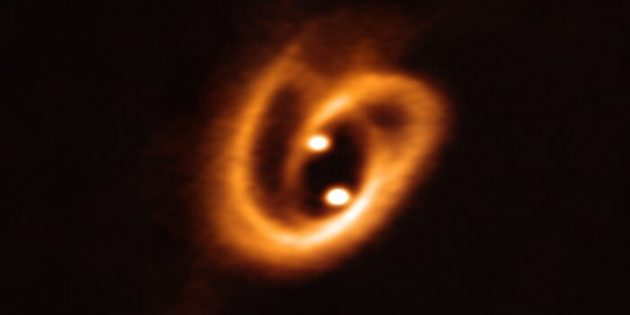 eso1916a-binary-star-accretion_1570540202-630x315