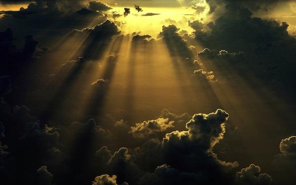 sun-shining-through-the-clouds-1920x1200