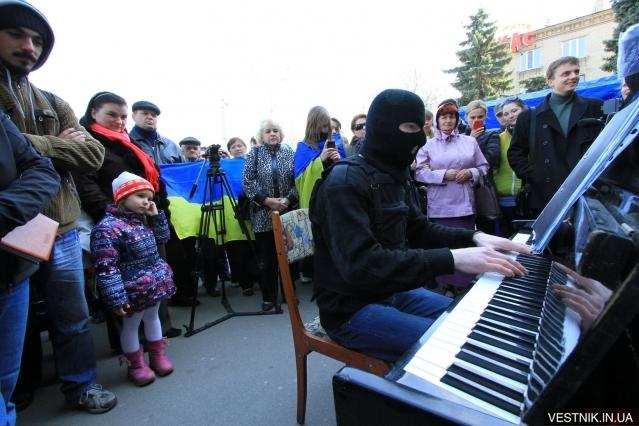 1396188792_1-pianist
