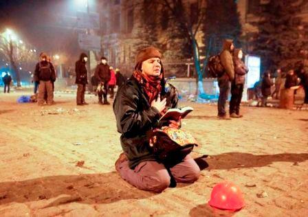 В центр Киева стягивают бронетехнику - Цензор.НЕТ 784