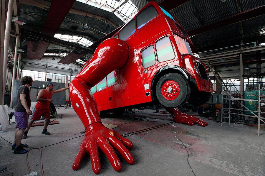 avtobus-otzhimaetsa-3