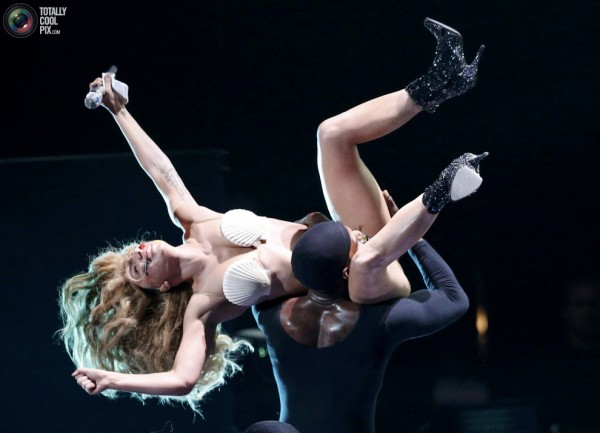 MTV-Video-Music-Awards-27-12