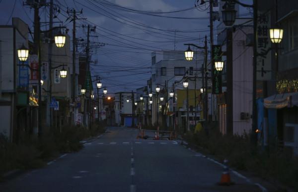 japonija-posle-cunami-7-1-990x641