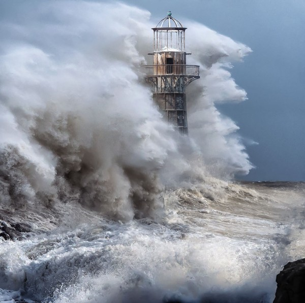 amazing-lighthouse-01