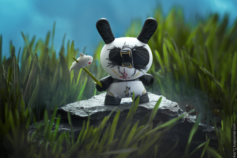 Dunny 2 Tone - Angry Woebots