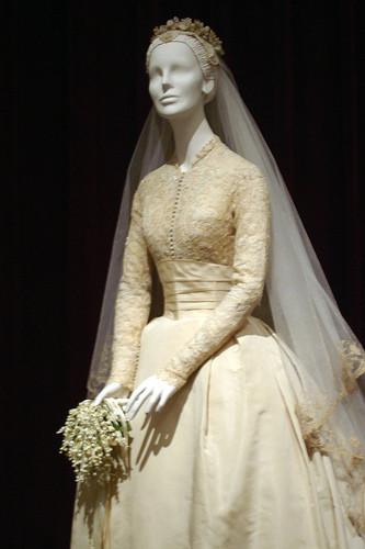На создание платья ушло 25 ярдов