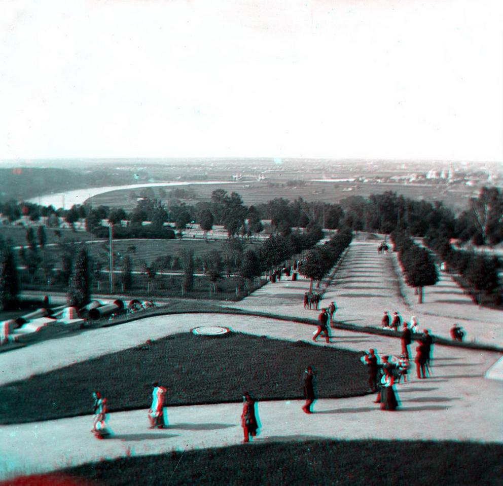 Стерео - Москва, вид с Воробьёвых гор на Лужники 1907-1917 (направление съемки — север).jpeg