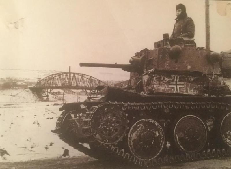 Немцы на левом берегу канала.jpg