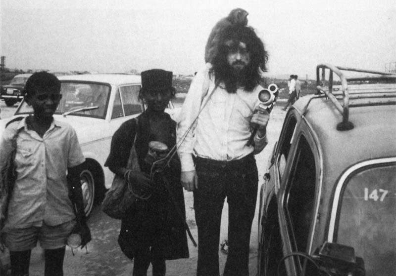 1971-10-xx_JP_Bombay_by_Richard_Cole-01