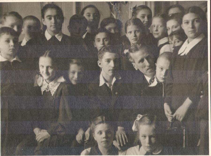 25.03.53 Д. Кабалевский и исполнитель его фп.конц. В. Ашкенази среди слушателей школьного абонем.