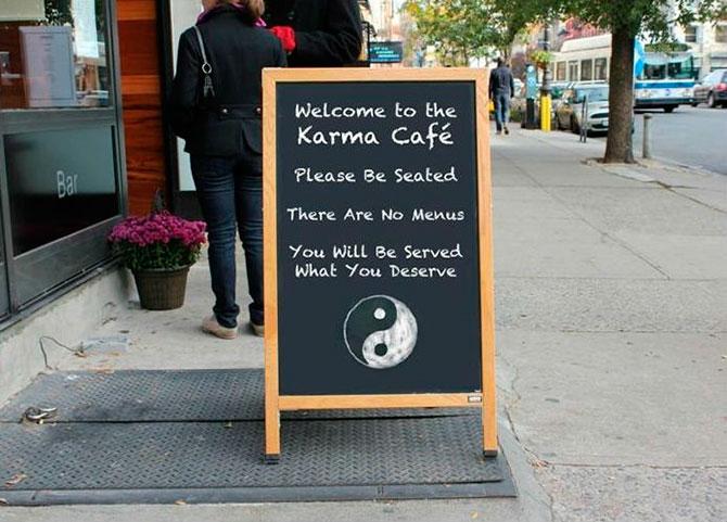 Присаживайтесь, пожалуйста! У нас нет меню. Вам подадут то, чего вы заслуживаете.